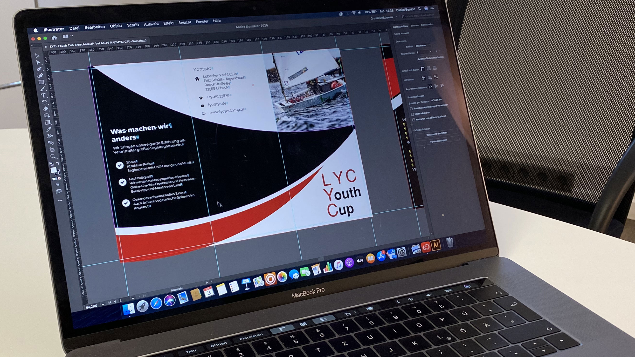 Die LYC Youth-Cup Flyer werden erstellt